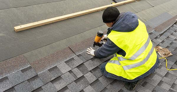 replacing roof with asphalt shingles